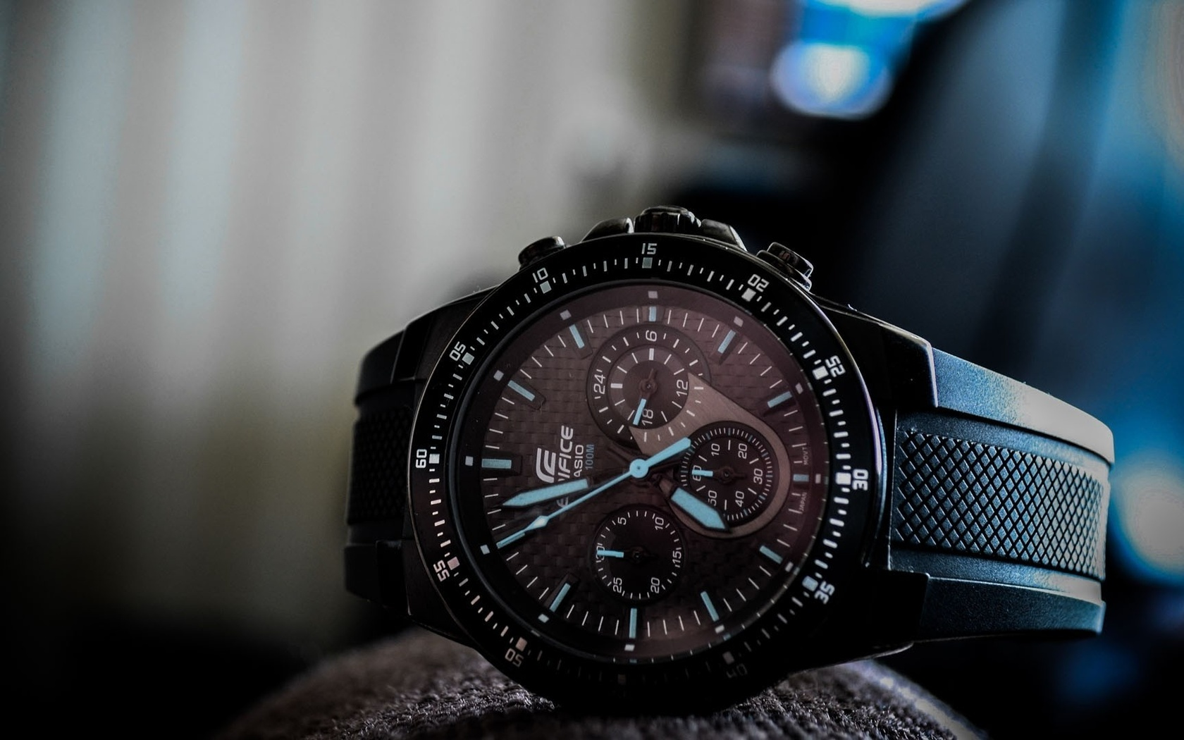The edifice is casio's peak achievement in a metal analog watch, engineered to f1 standards.
