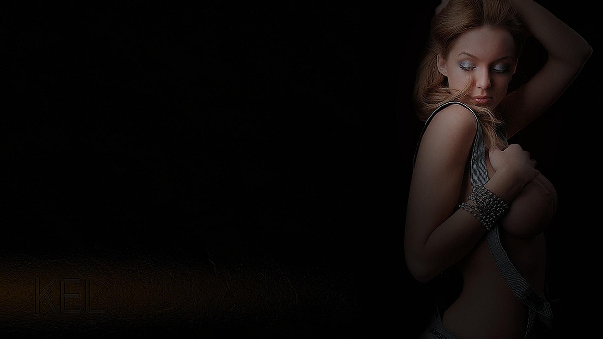 Сиськи в стекле, Голые сиськи малышек за стеклом (15 фото эротики) 25 фотография