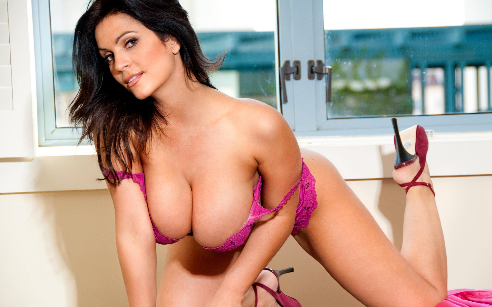 women-denise-milani-sexy-hot-naked-pictures-adult