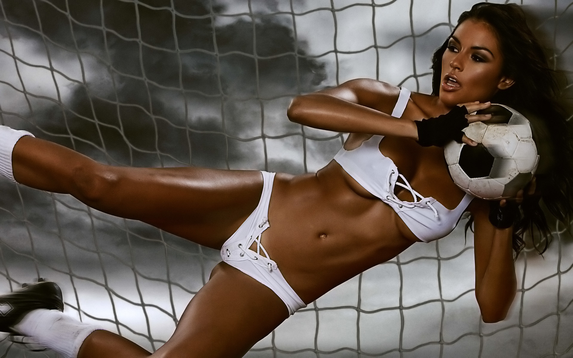 Jewel sexy girl sports bare gaping