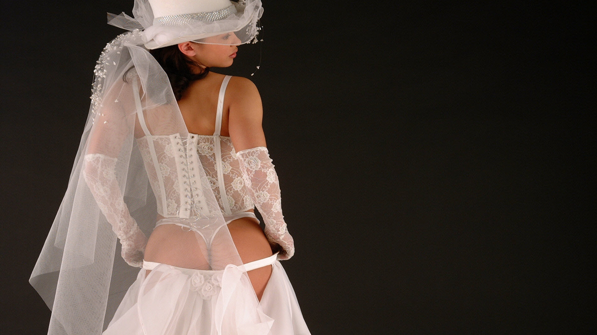 Эротика фото белое платье, Голые в плятьях на фото и обнаженные девушки 24 фотография