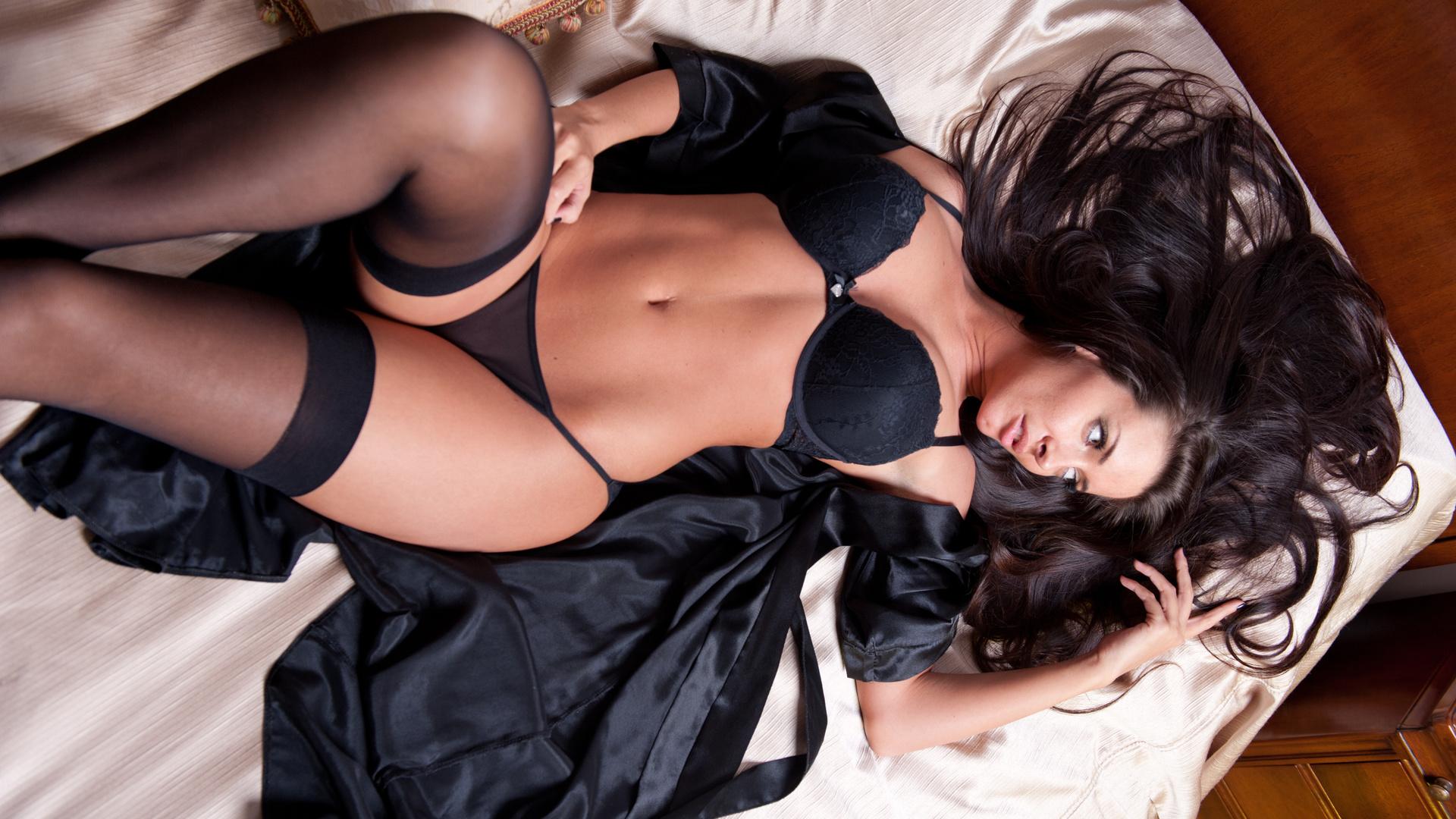 Эро фото в секси белье, Голые в нижнем белье на фото - полу обнаженные девушки 26 фотография