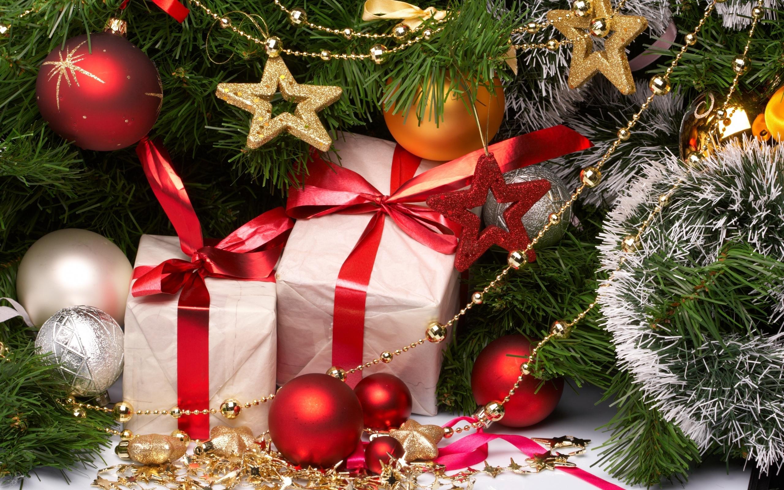 Новогодние картинки с подарками под елкой, красивой душе