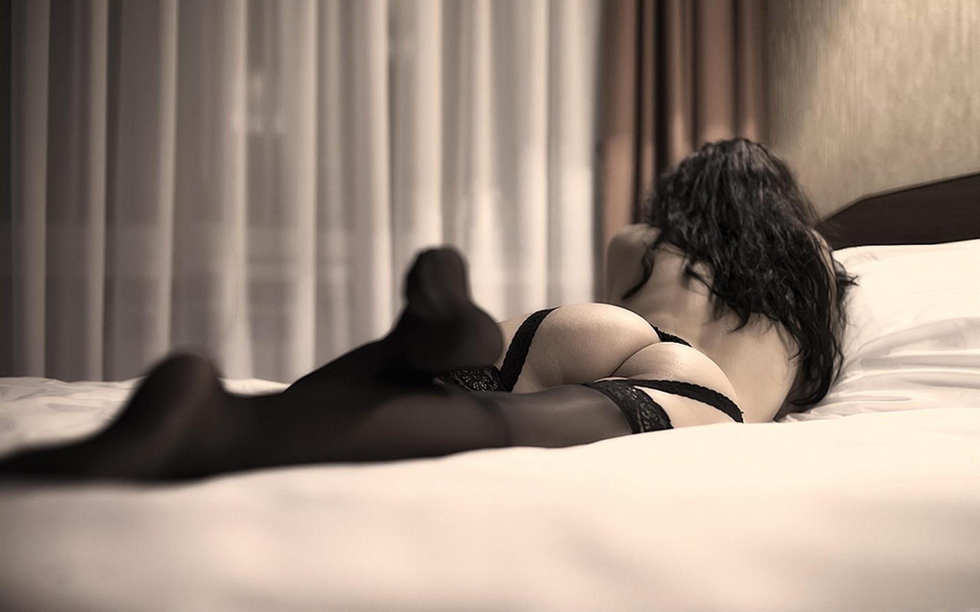 сексуальные фото в постели нами