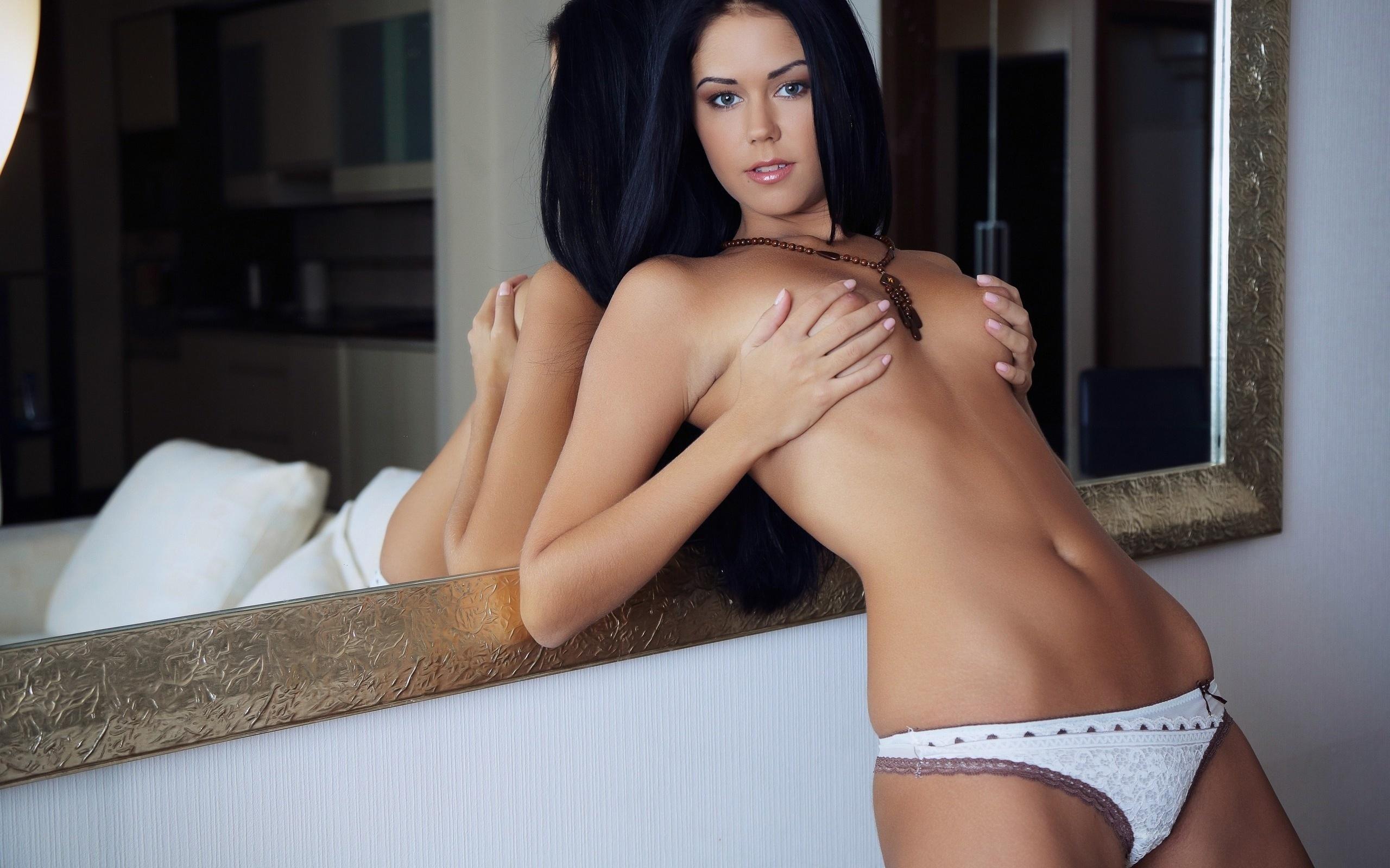 Эротичные брюнетки красивые, Голые брюнетки - фото обнаженных брюнеток 1 фотография