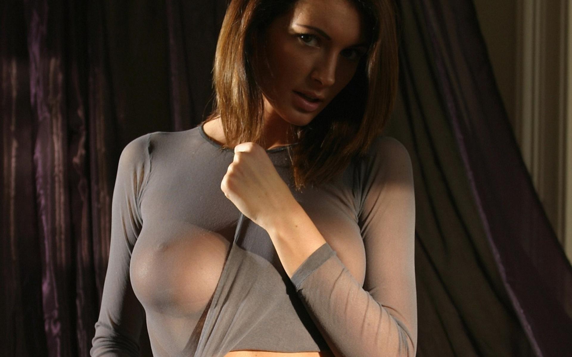 Фотки с сиськами в одежде, Красивые сиськи в прозрачной одежде частные секс фото 36 фотография