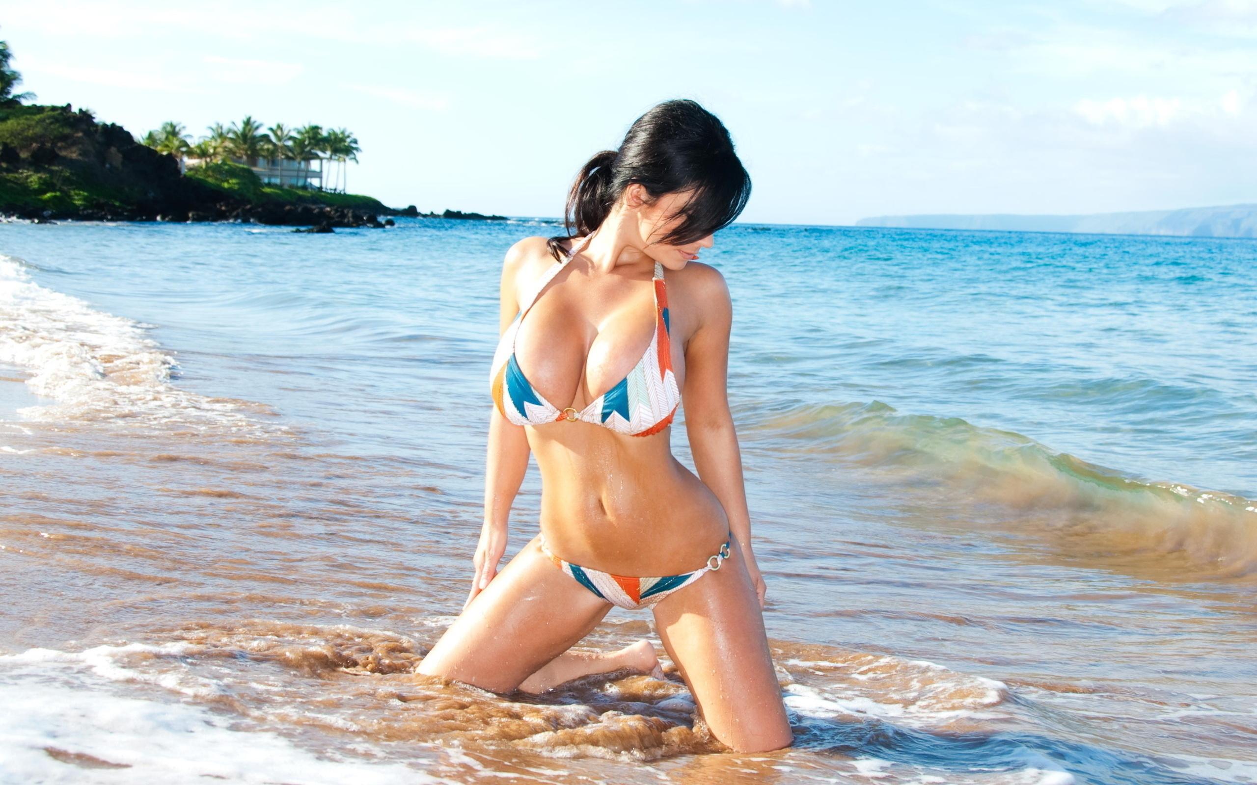 любительское фото девушек на море секс