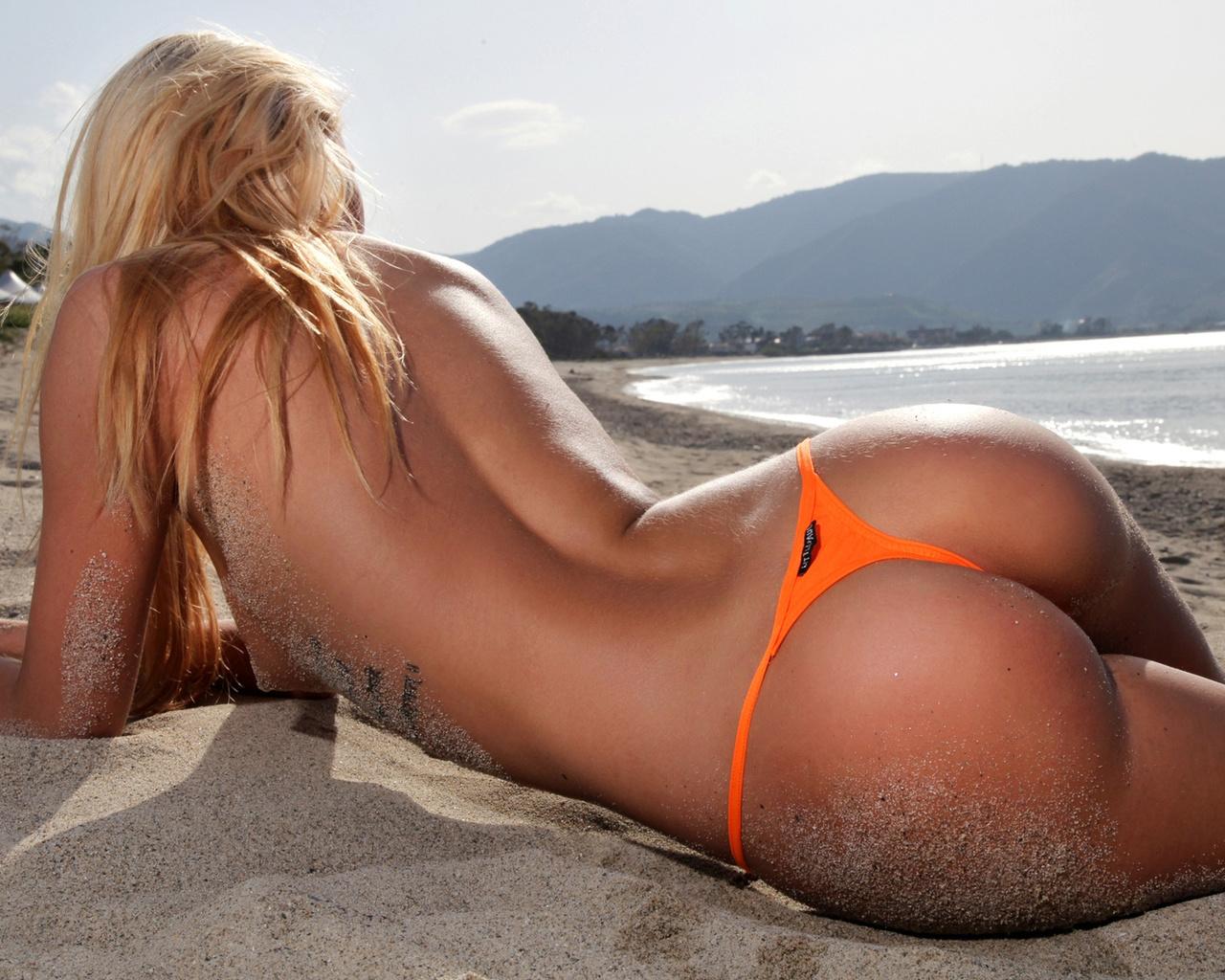 Фигуристые попки фото, Шикарные красотки получают огромные пенисы в свои 27 фотография