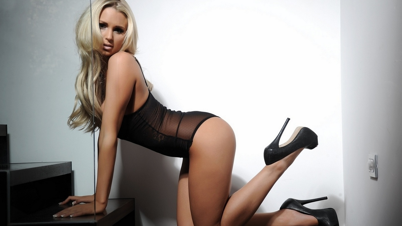 cara brett, блондинка, модель, девушка, грудь, поза