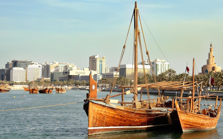 баркас, лодки, озеро, вода, небо, строения, берег, корабель,