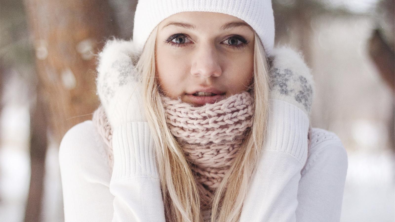 девушка, снег, лес
