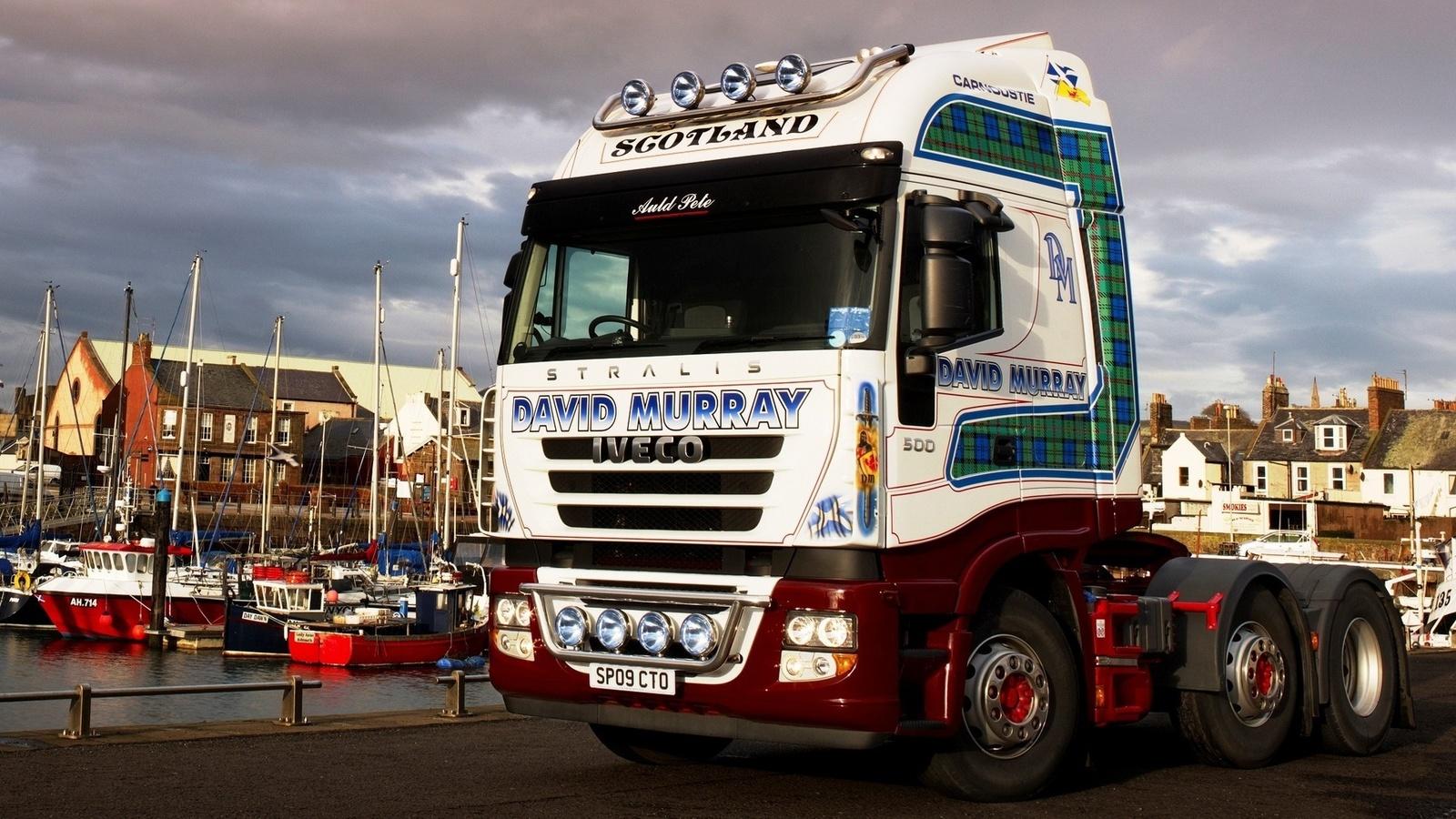 тягач, грузовик, сила, мощь, красота, колеса, фары, причал, лодки, небо