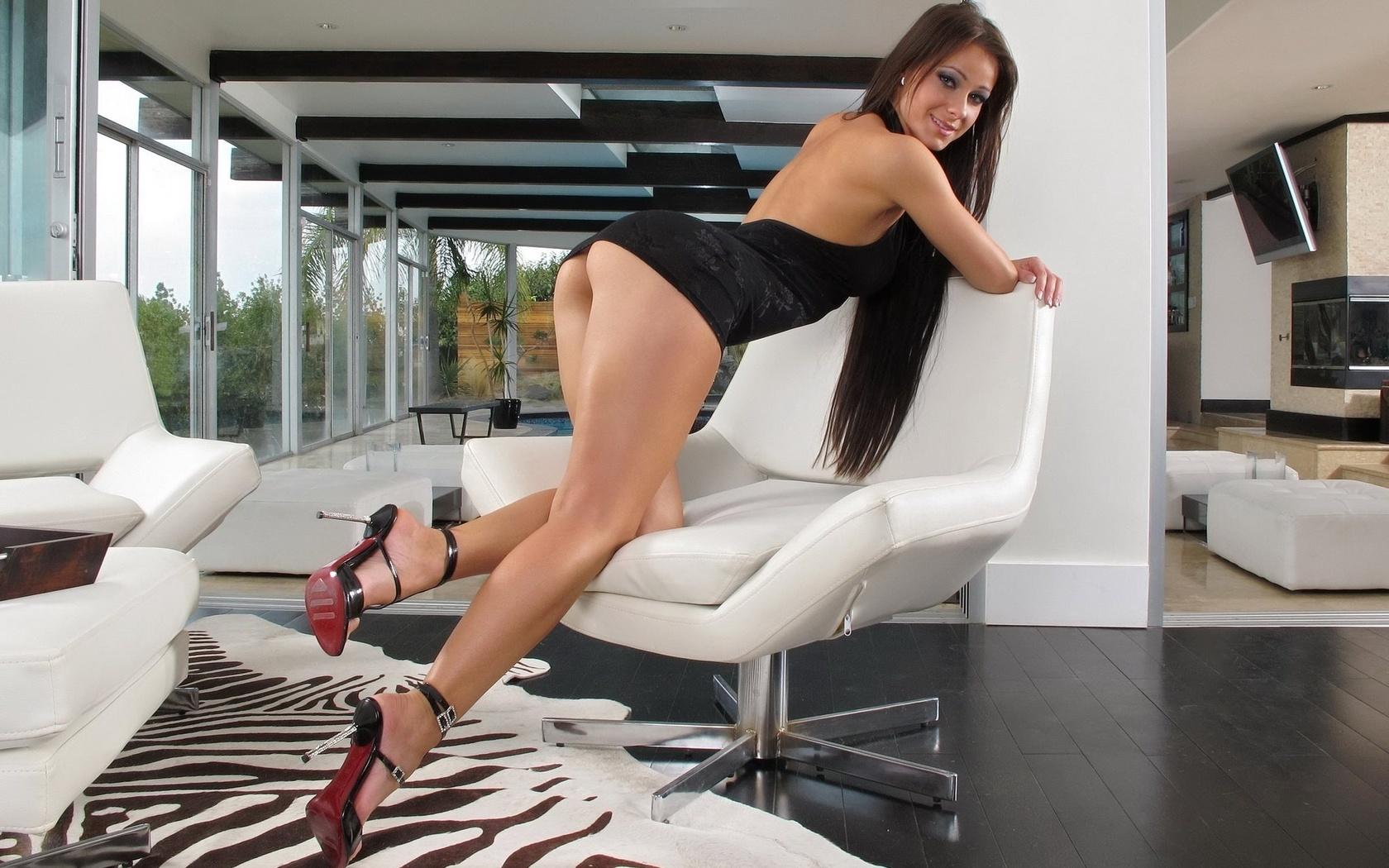 Фото категория сексуальные ножки, Голые ножки - красивые девушки с голыми ногами на фото 20 фотография