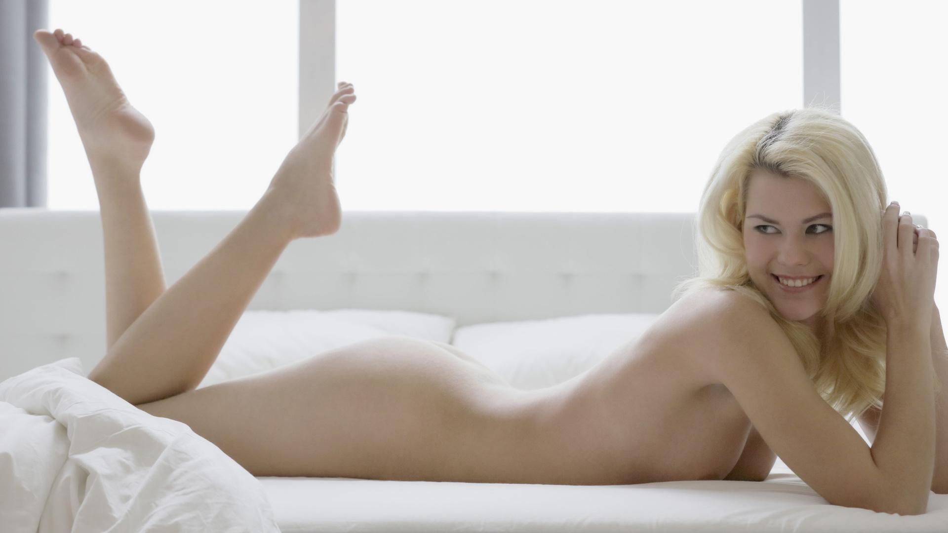 Kristen Hager Nude