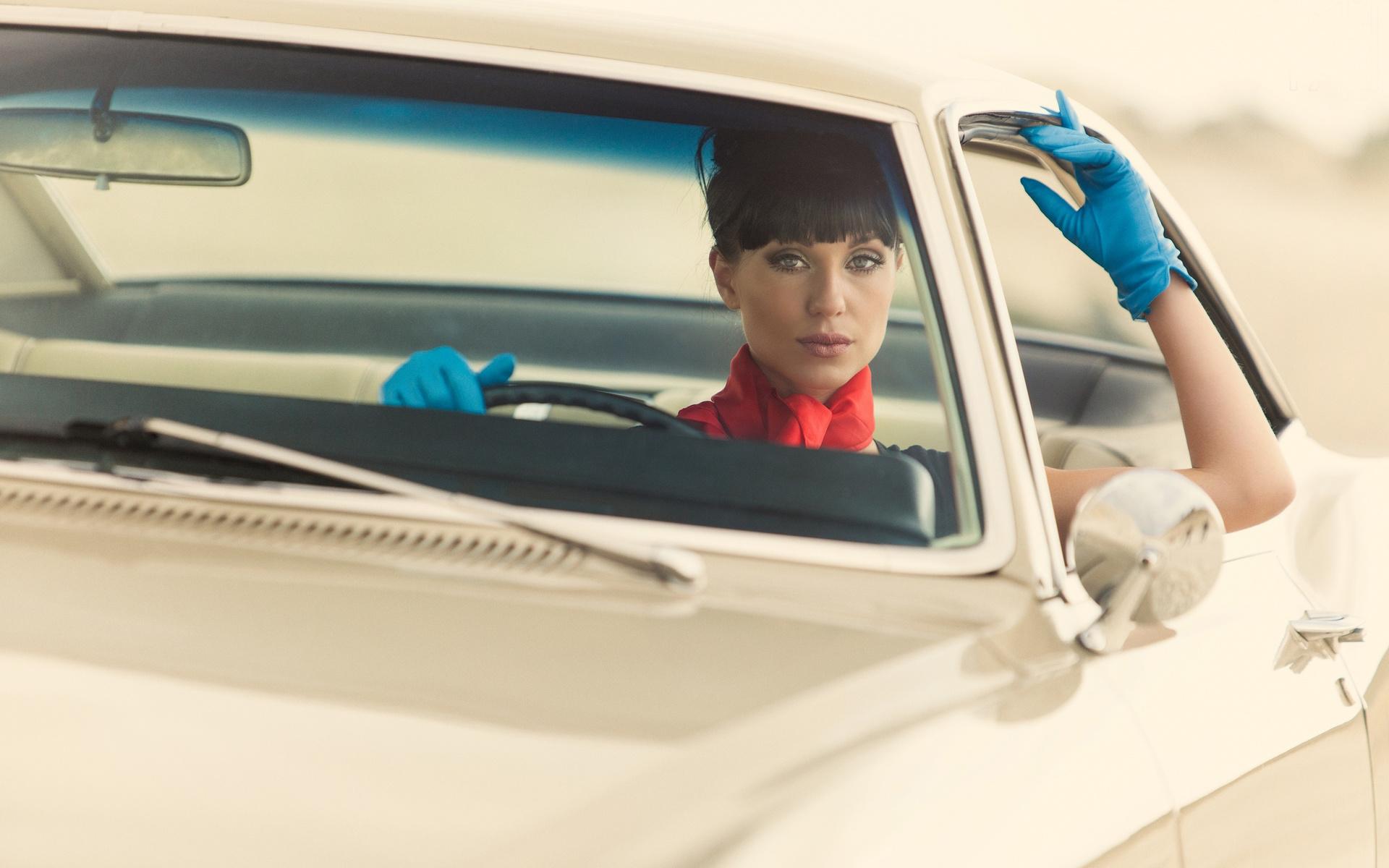 Хозяйка водитель секс, Накаченный водитель трахает свою хозяйку в машине 27 фотография