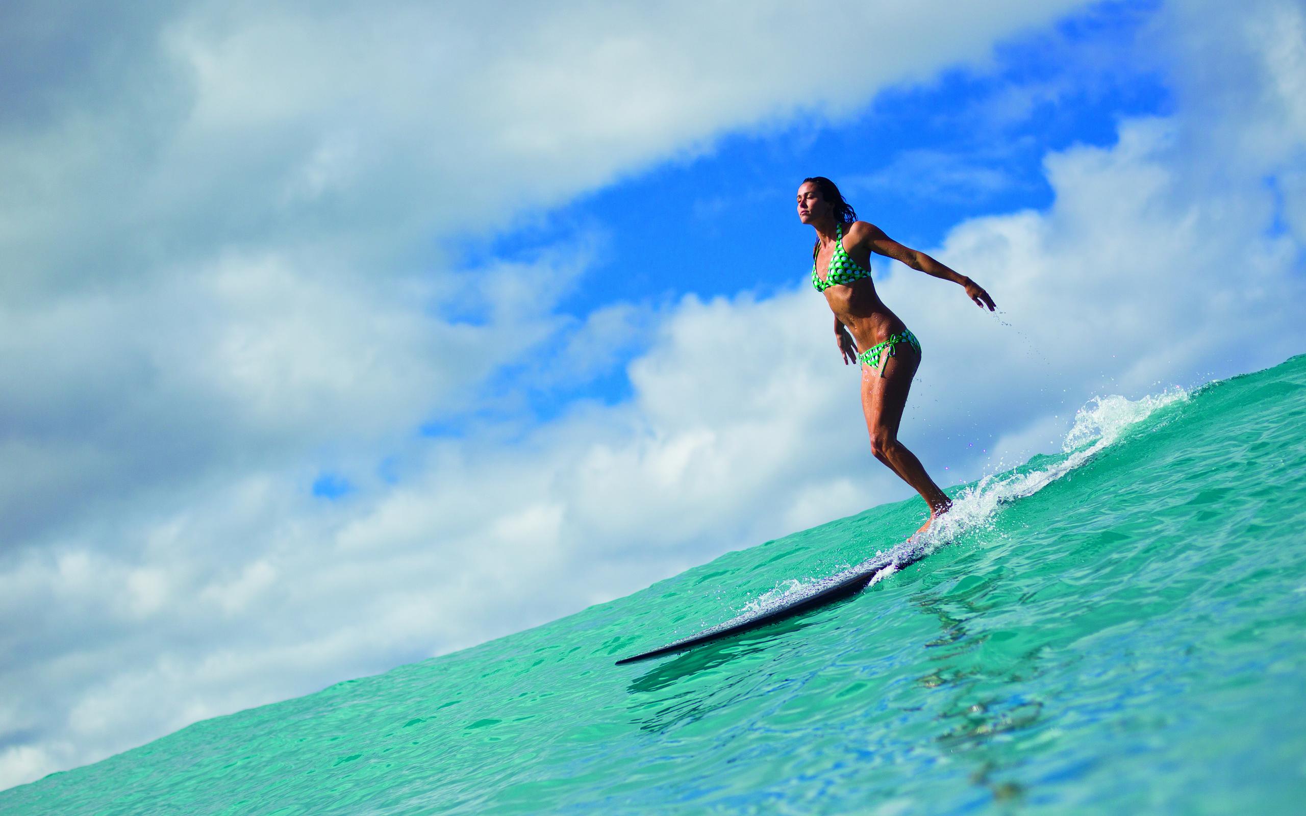 Фото девушек на фоне океана, Фото: Девушка на фоне океана 24 фотография