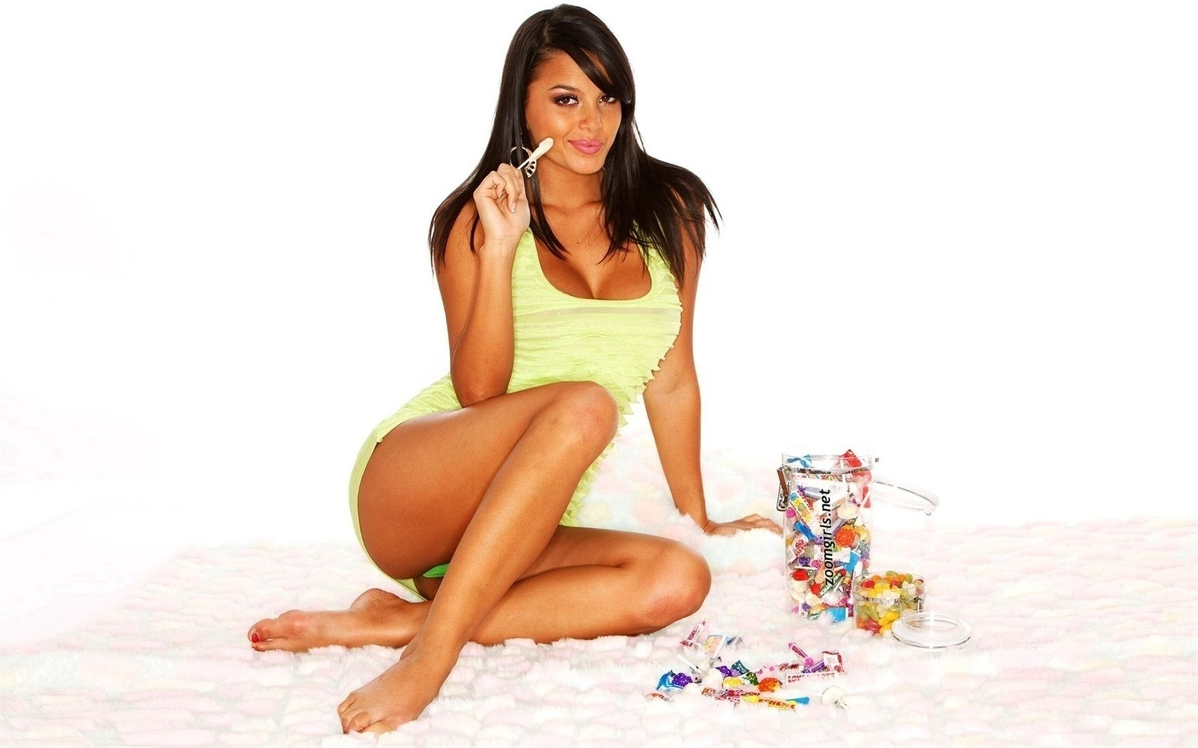 сладкая конфетка в сексуальном белье видео подошел высокому