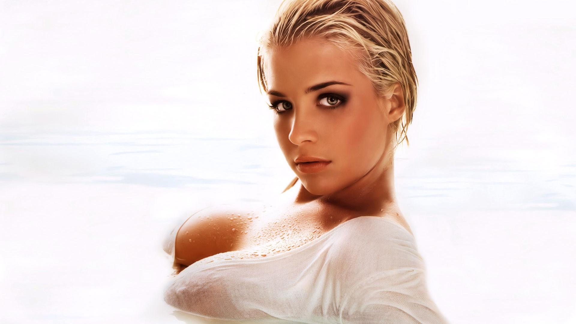 Смотреть фото голых девушек бесплатно крупно, Голые сексуальные девки крупным планом 1 фотография
