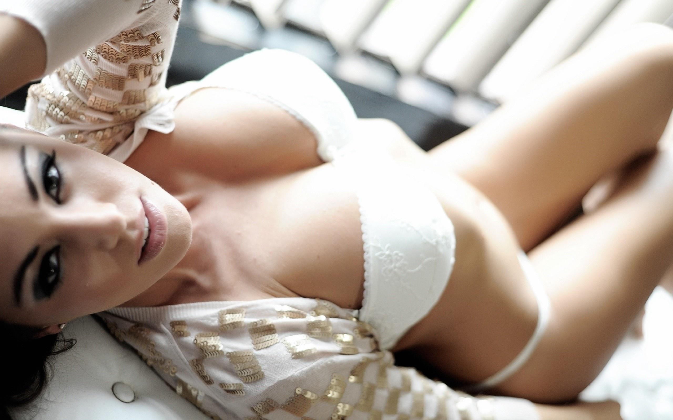женщина видео груди - 7
