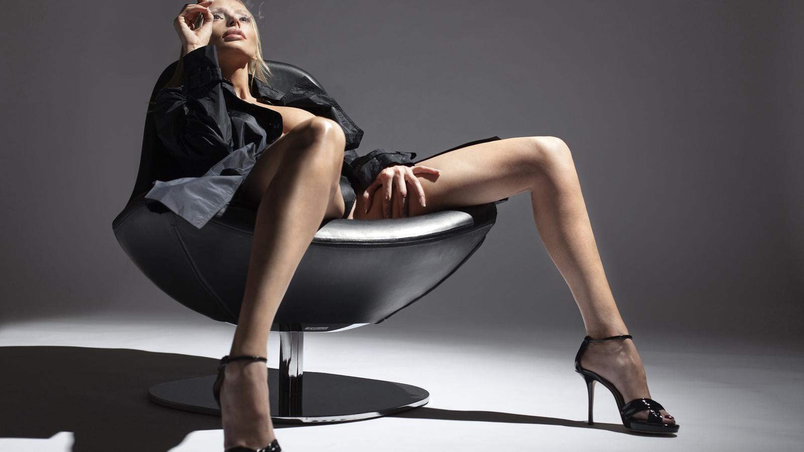 Фото категория сексуальные ножки, Голые ножки - красивые девушки с голыми ногами на фото 21 фотография