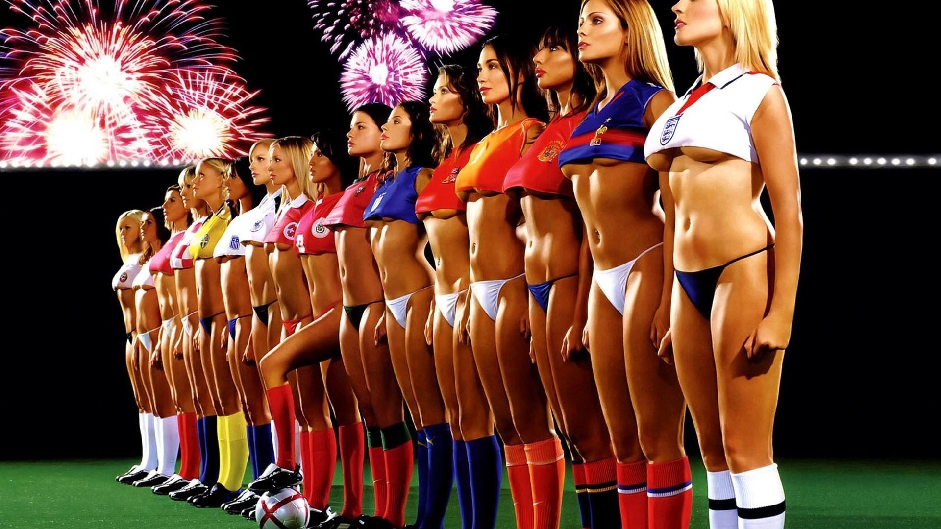 multiple-girls-one-guy-nude