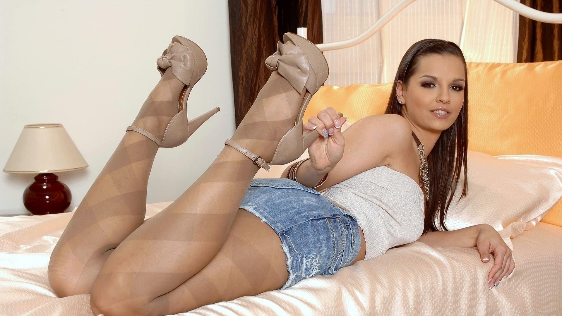 Ххх ножки девушек фото, Голые ножки фото - обнаженные ноги девушек 1 фотография