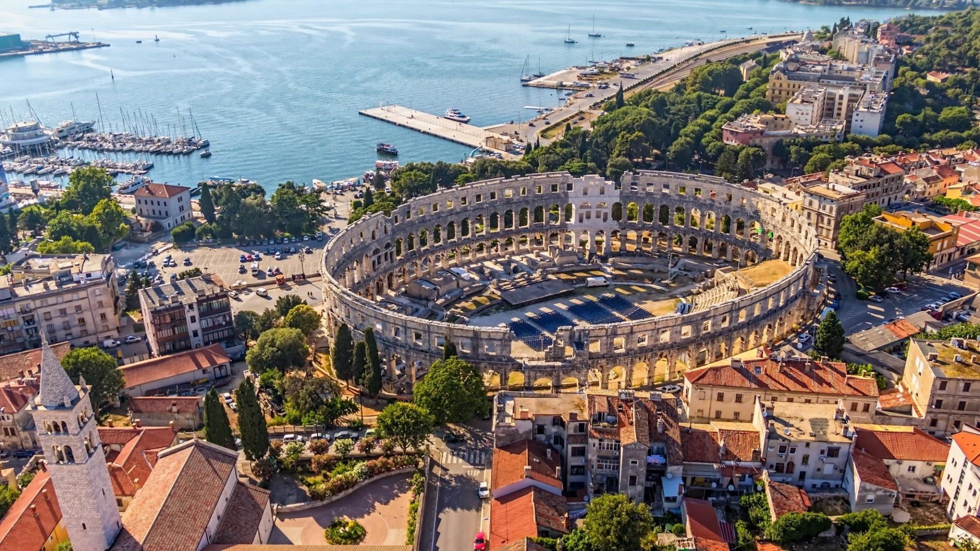 Город Пула примечателен прежде всего амфитеатром на 23 тысячи зрителей, одним из крупнейших в римской империи