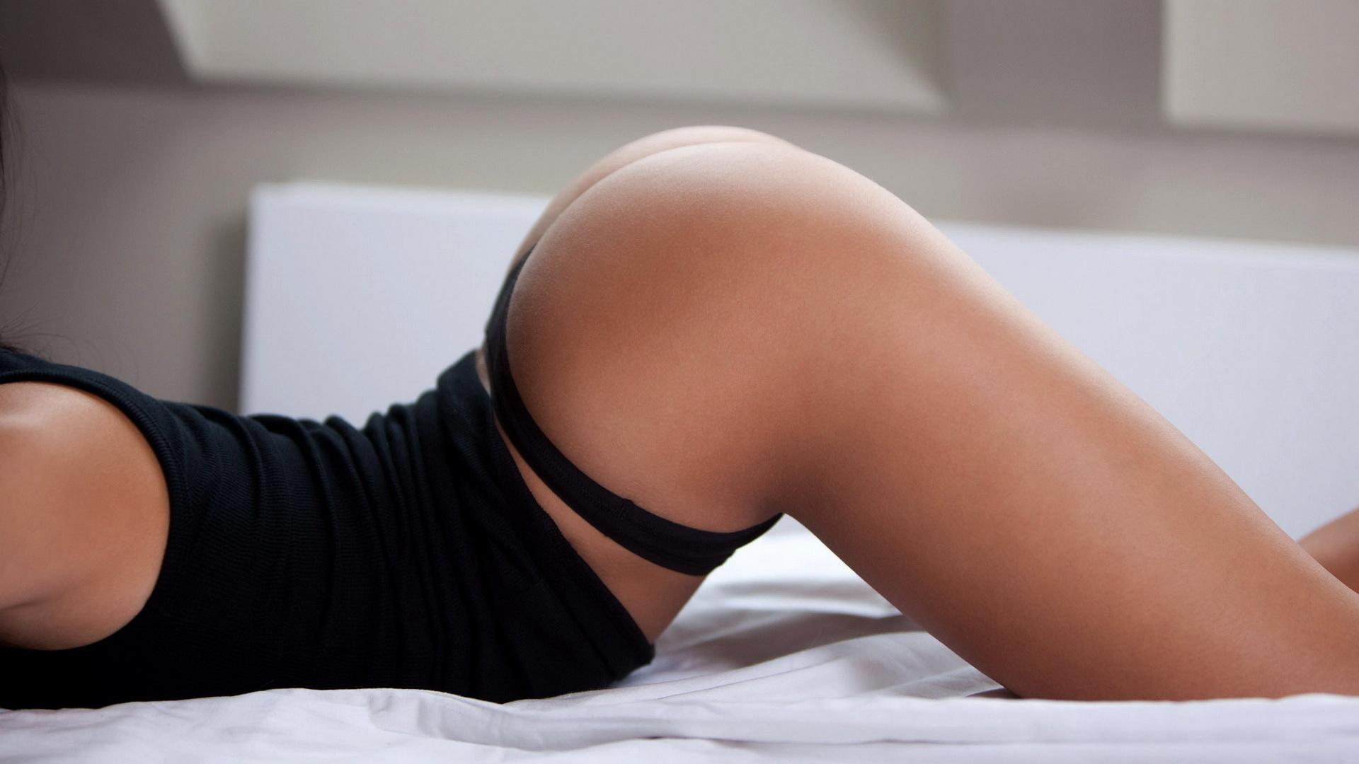 что многим сексуальные попы и груди фото бисексуальных оргий