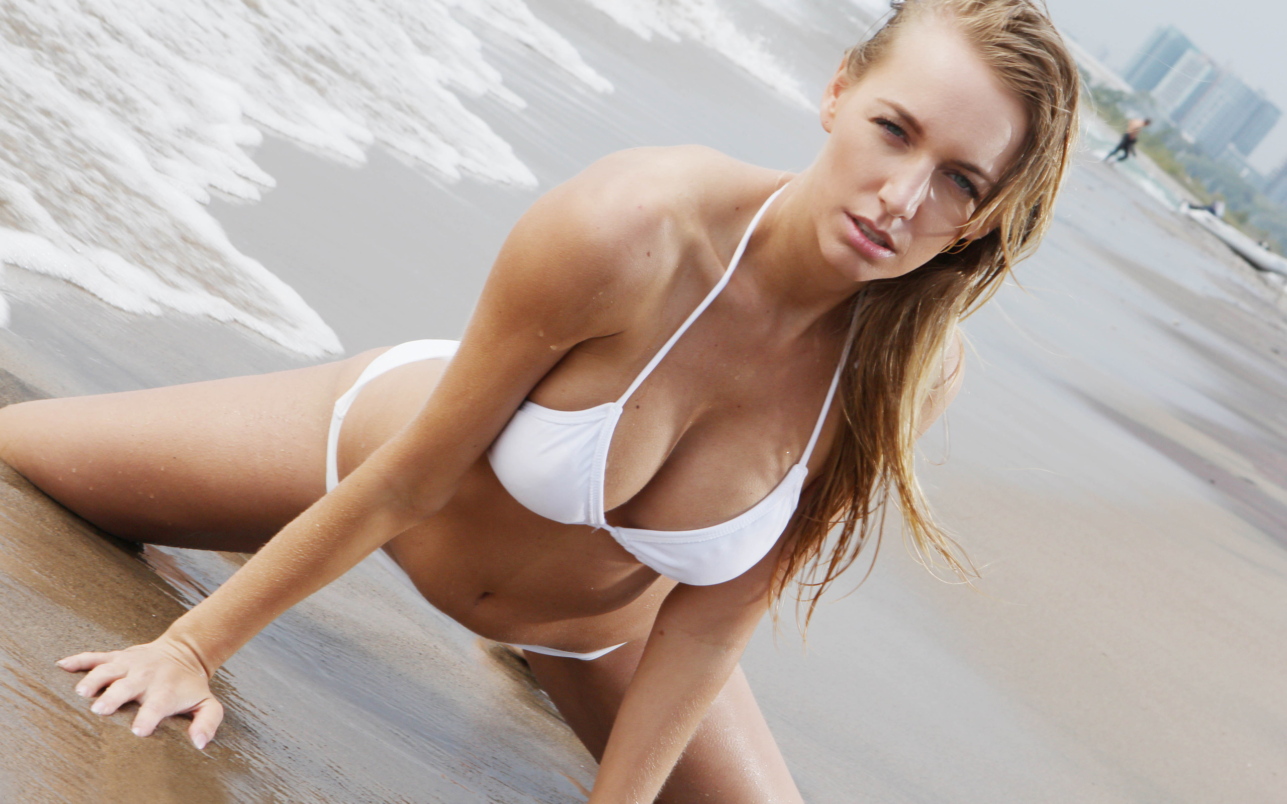 blonde-in-white-bikini-nude-aquarius