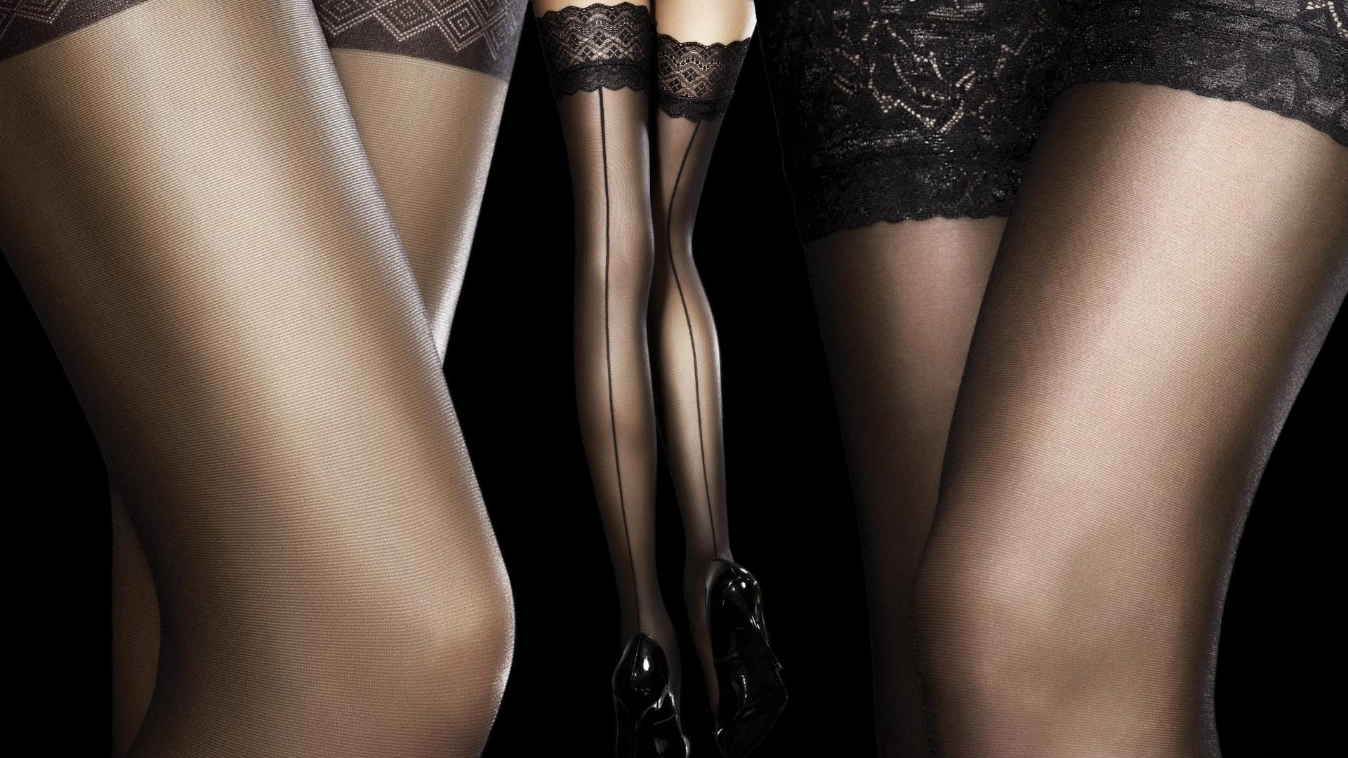 Ножки девушки фото женщин снимающей чулки русское порно