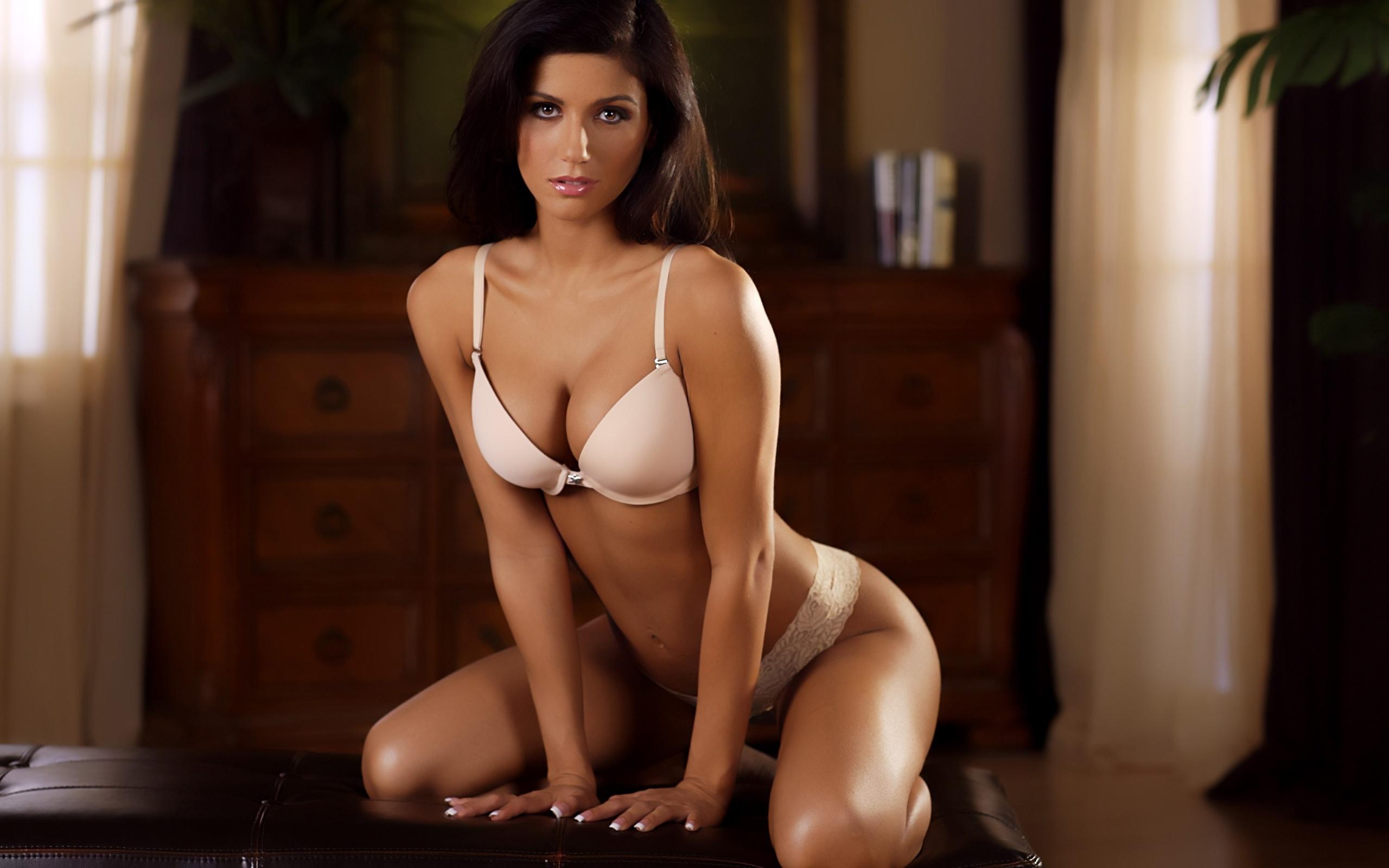 Самые сексуальные бюсты девушек мира — img 5
