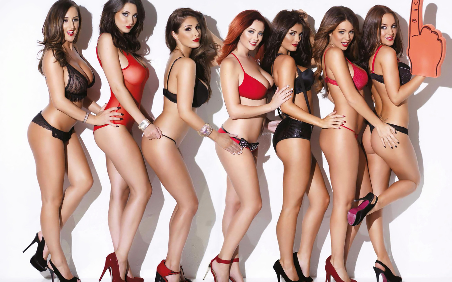 lucy pinder, friends, lingerie, sexy, model, heels, foam finger, , hotties, cute, ladies, , hair, , beautys, stacey poole, holly peers, rosie jones, ucy collett, joey fisher, lucy collett, http://www.nastol.com.ua/ero/109215-holly-peers-india-reynolds-joe