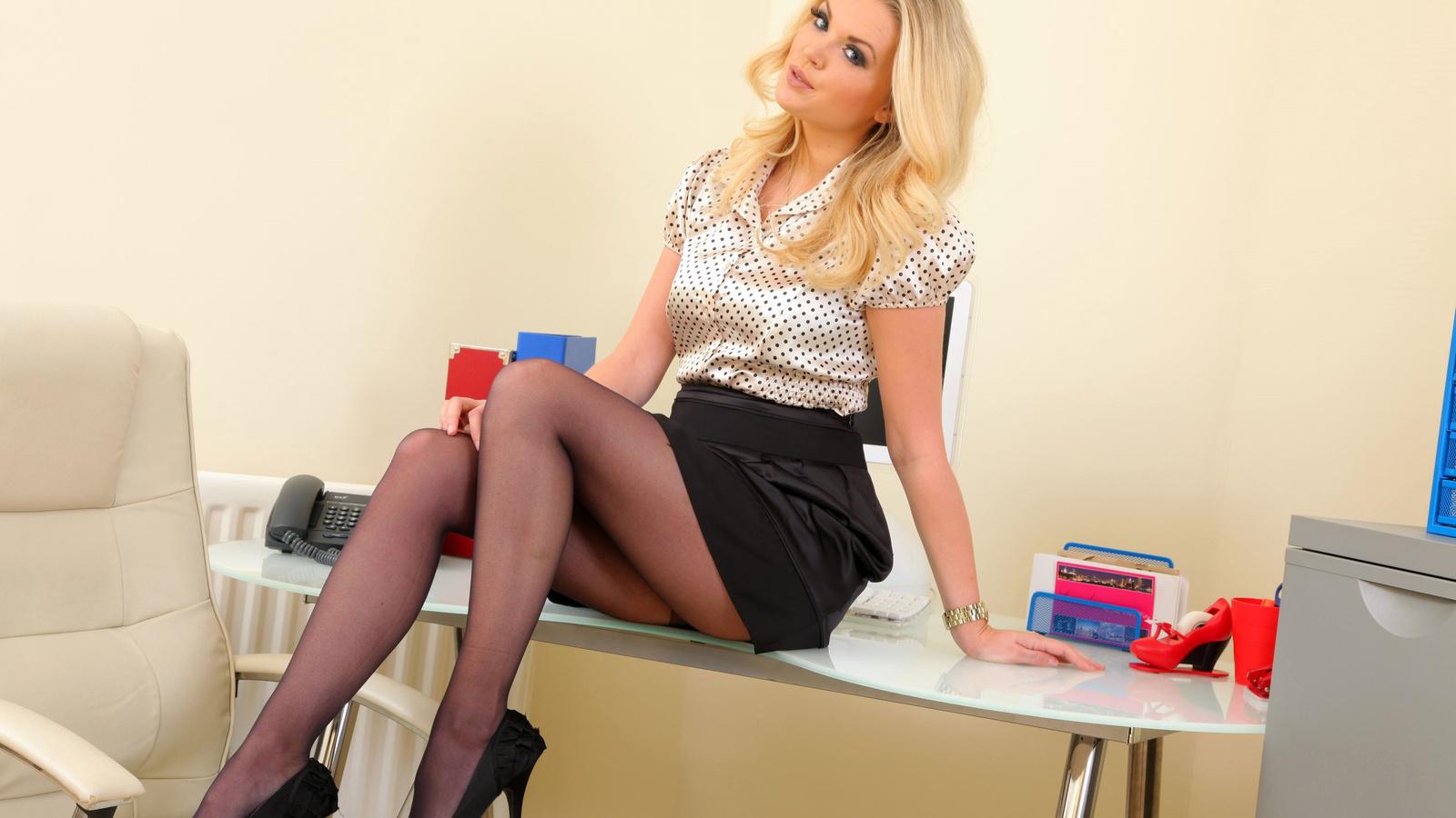 Трахал секретаршу на работе, Секс на работе - Самая жирная коллекция порно на 25 фотография