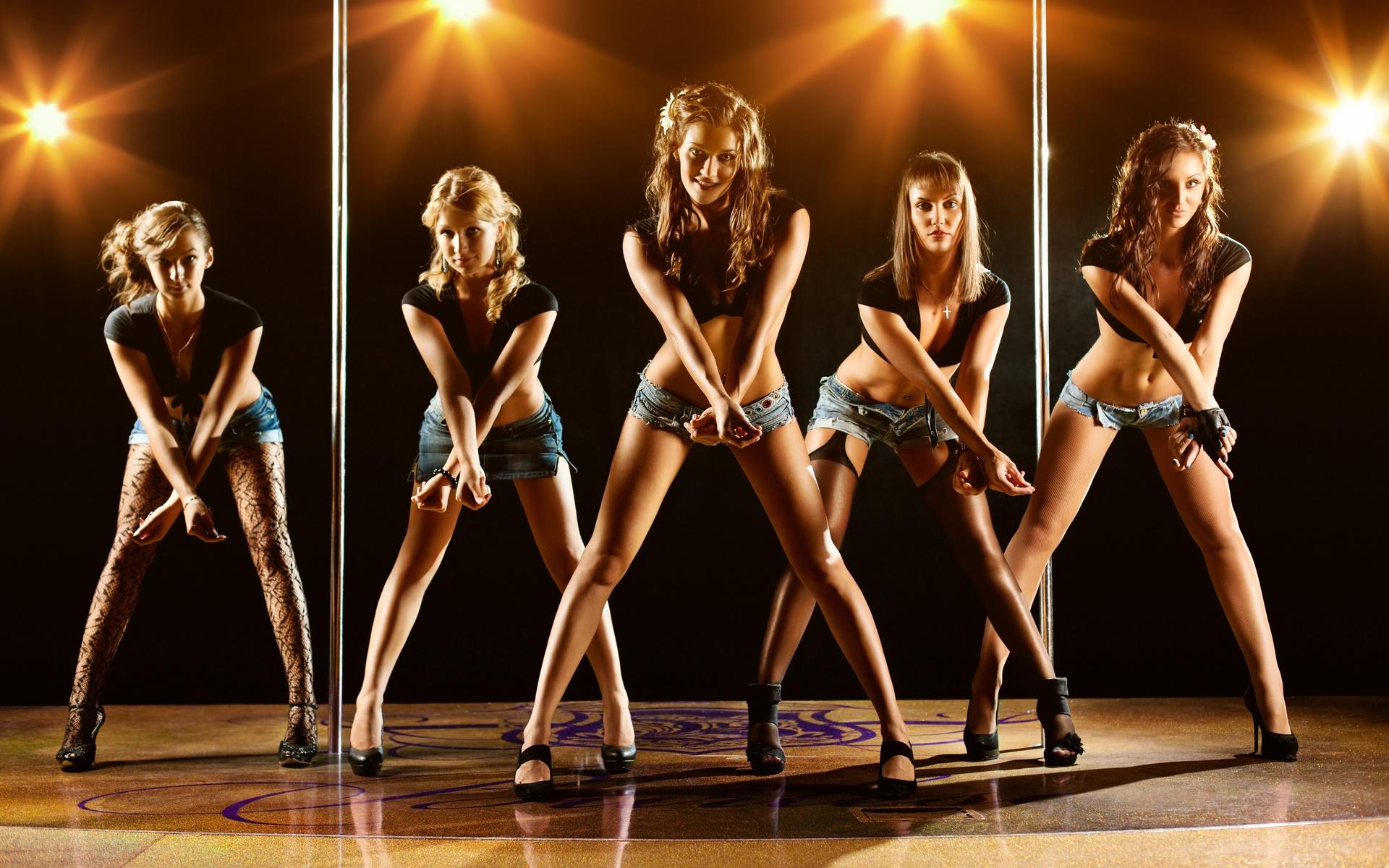 cute girls, dance, young, posing, modern, sexy, active, company, disco, silhouette, group, happiness, девушки, группа, группа девушек