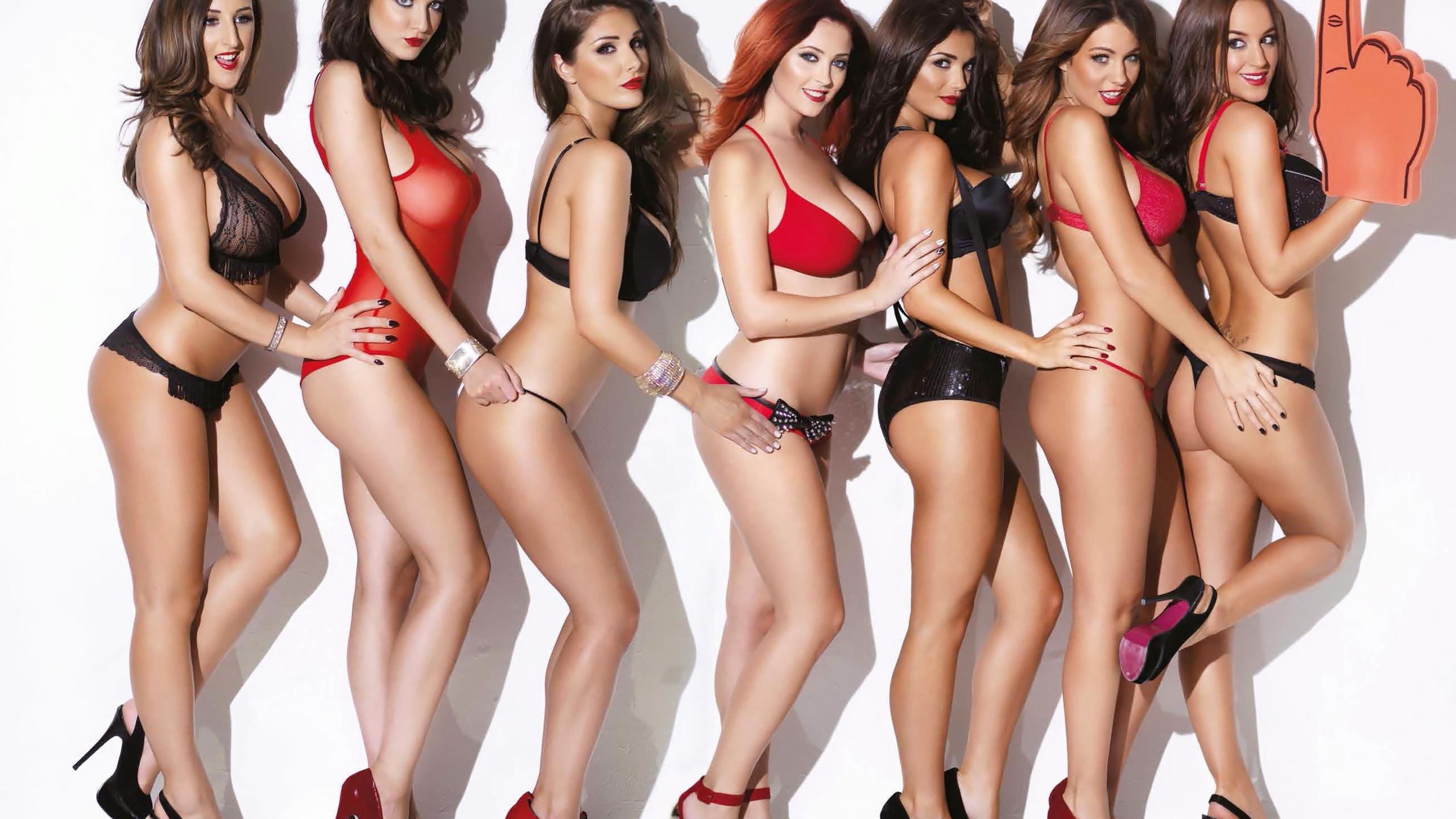 lucy pinder, friends, lingerie, sexy, model, heels, foam finger, , hotties, cute, ladies, , hair, , beautys, stacey poole, holly peers, rosie jones, ucy collett, joey fisher, lucy collett, http://www.nastol.com.ua/ero/109215-holly-peers-india-reynolds-joe