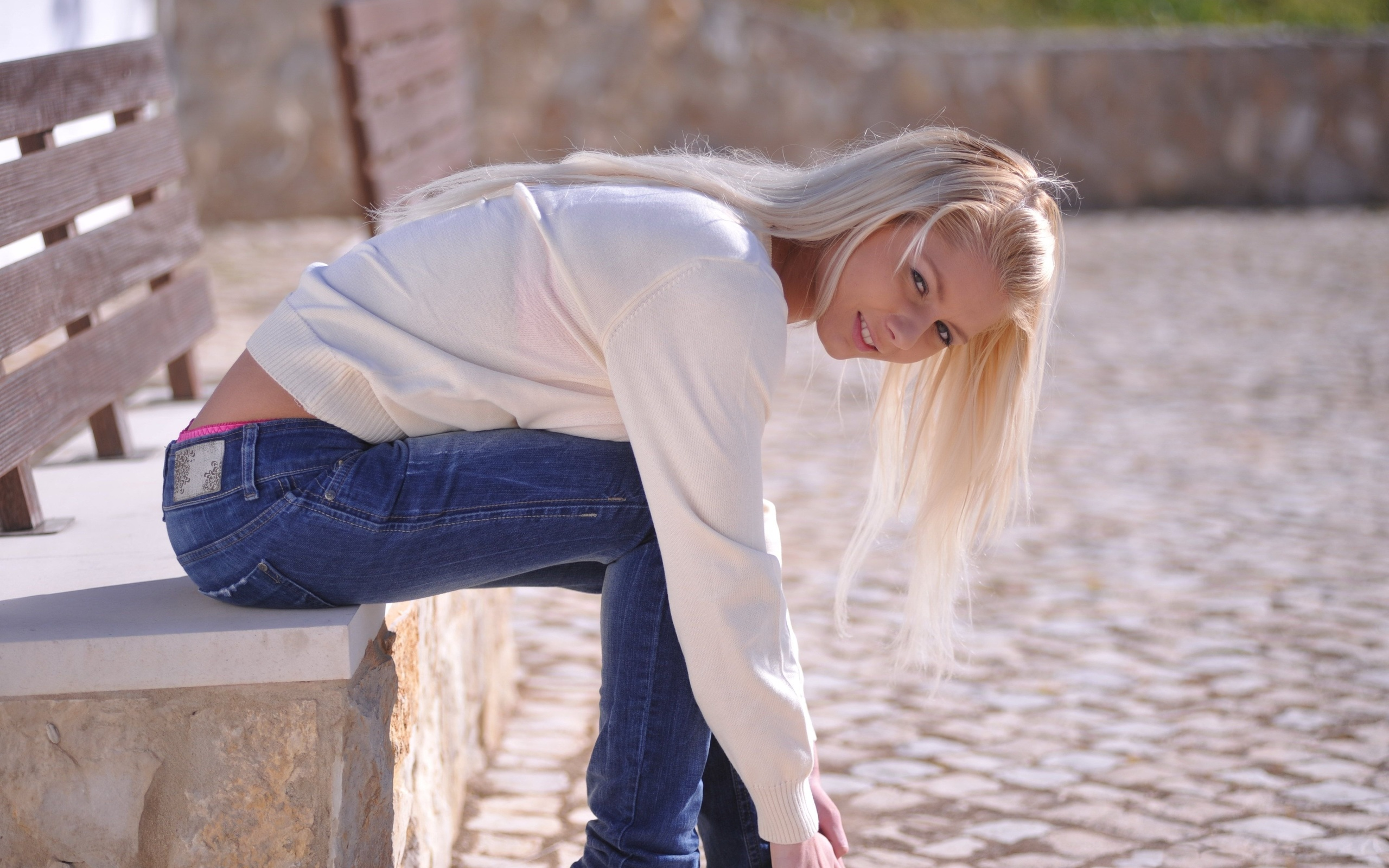 annely gerritsen, blonde, sexy girl, model, jeans, bluza