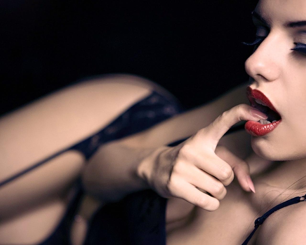 Секс только губами, Большие половые губы - лучшее порно видео на 25 фотография