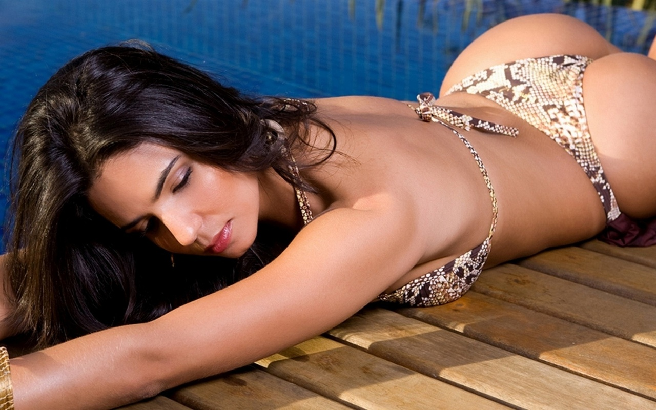 patricia murta, brunette, bikini, water, pool, sexy