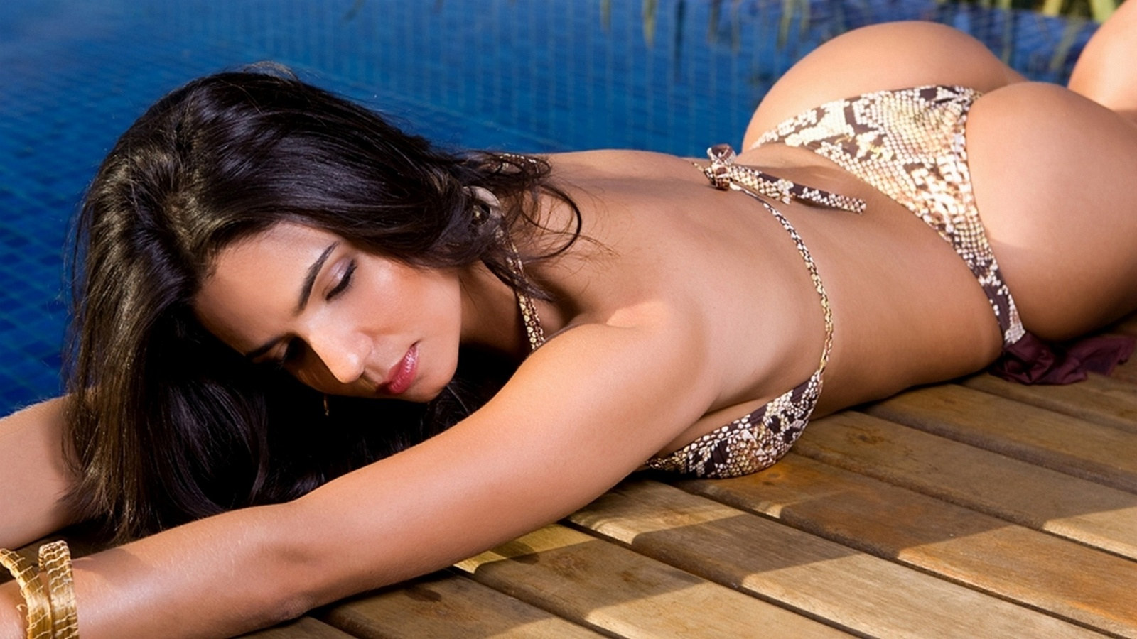 sexy-sexy-vagina-image-bikini-video-download-moynahan