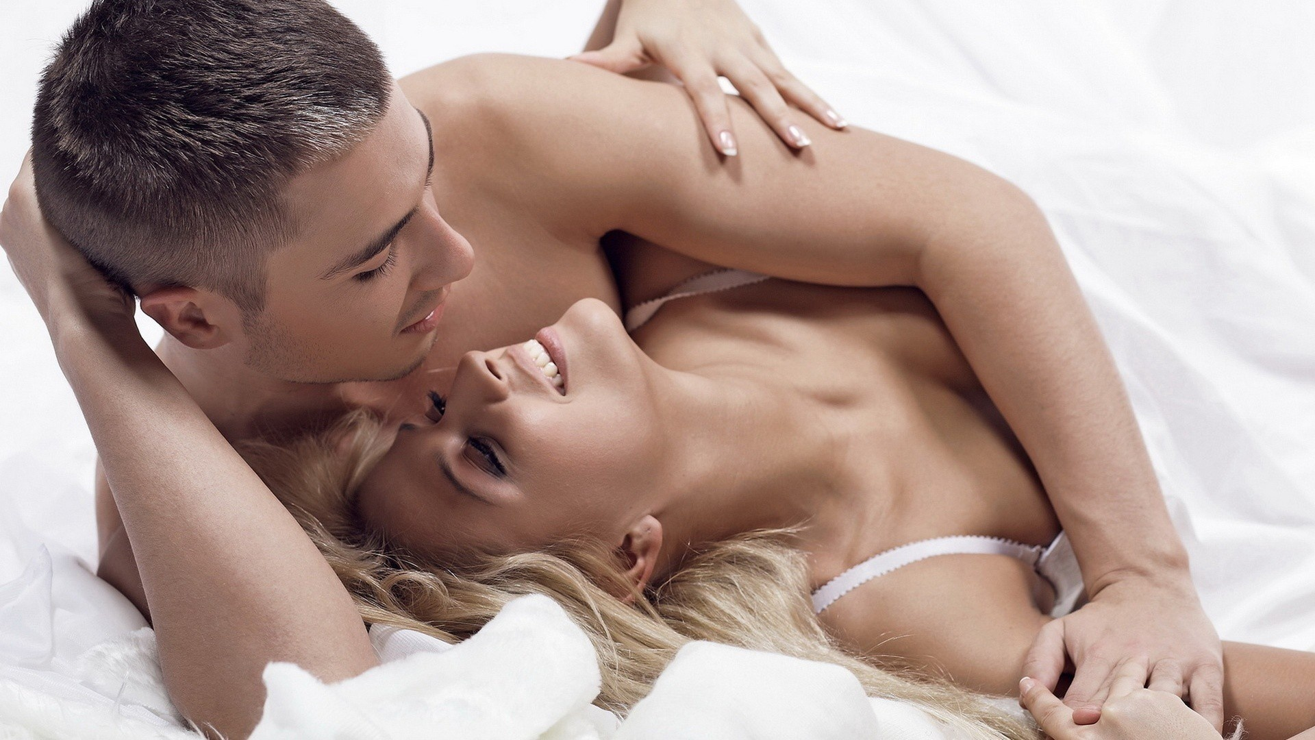 сексуальные фото женщины с мужчинами всем этим