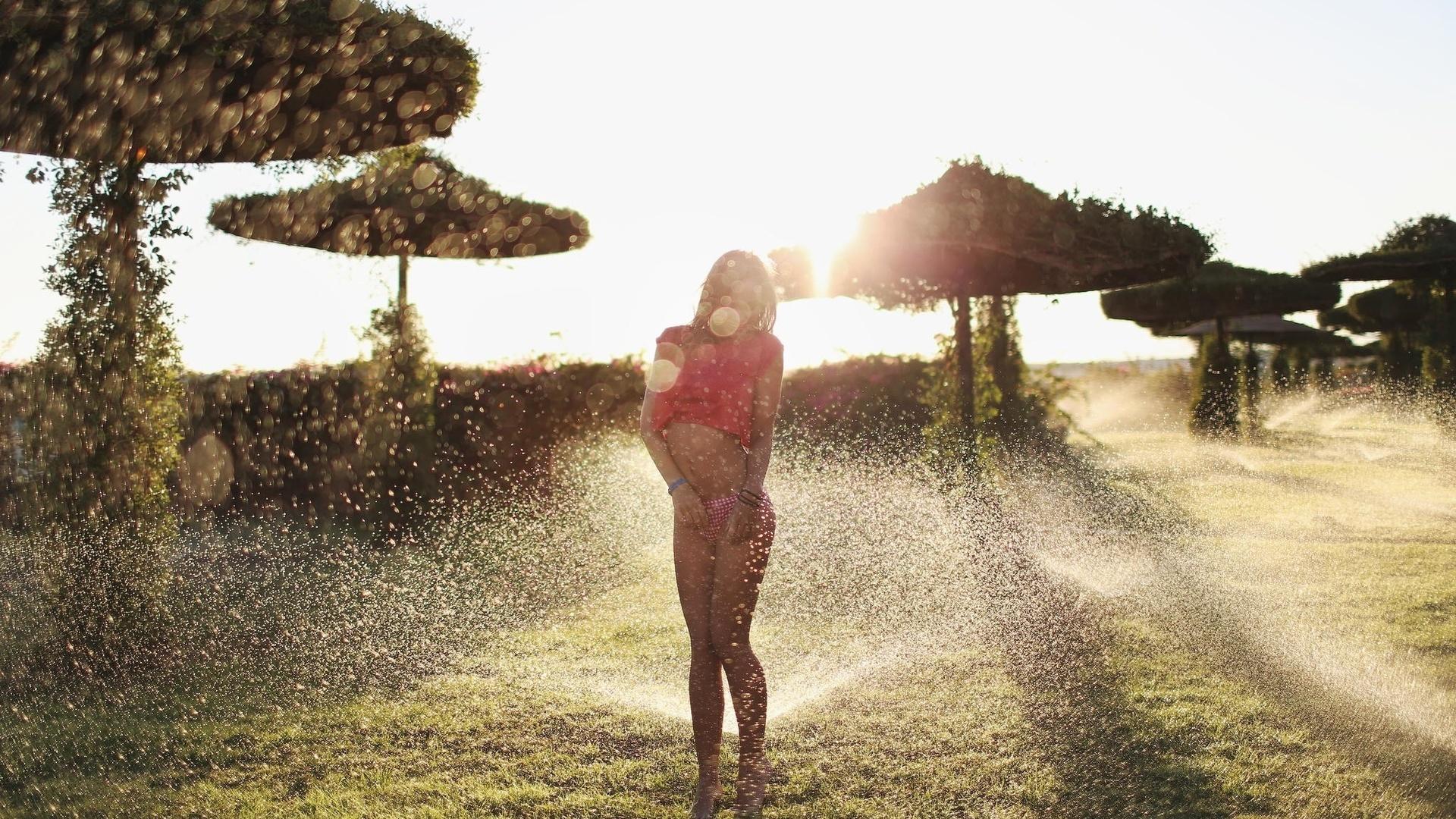 фото, макро, фото, тема, база отдыха, полив, газона, вода, брызги, тема, фигурка, ножки