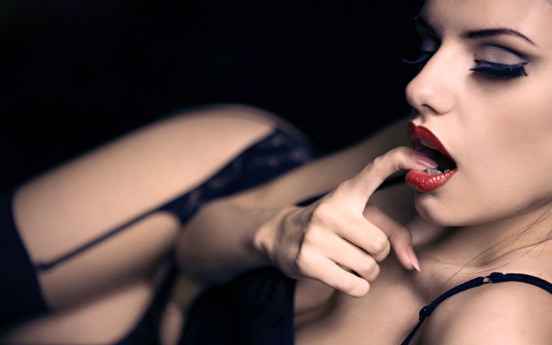 удовольствие жене языком сосал, дрочил