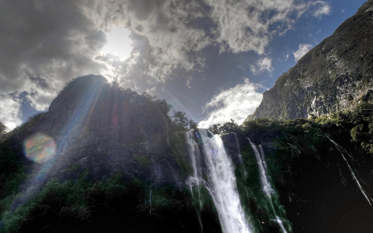 новая зеландия, водопад, скалы, небо, красота, небо,облака, природа