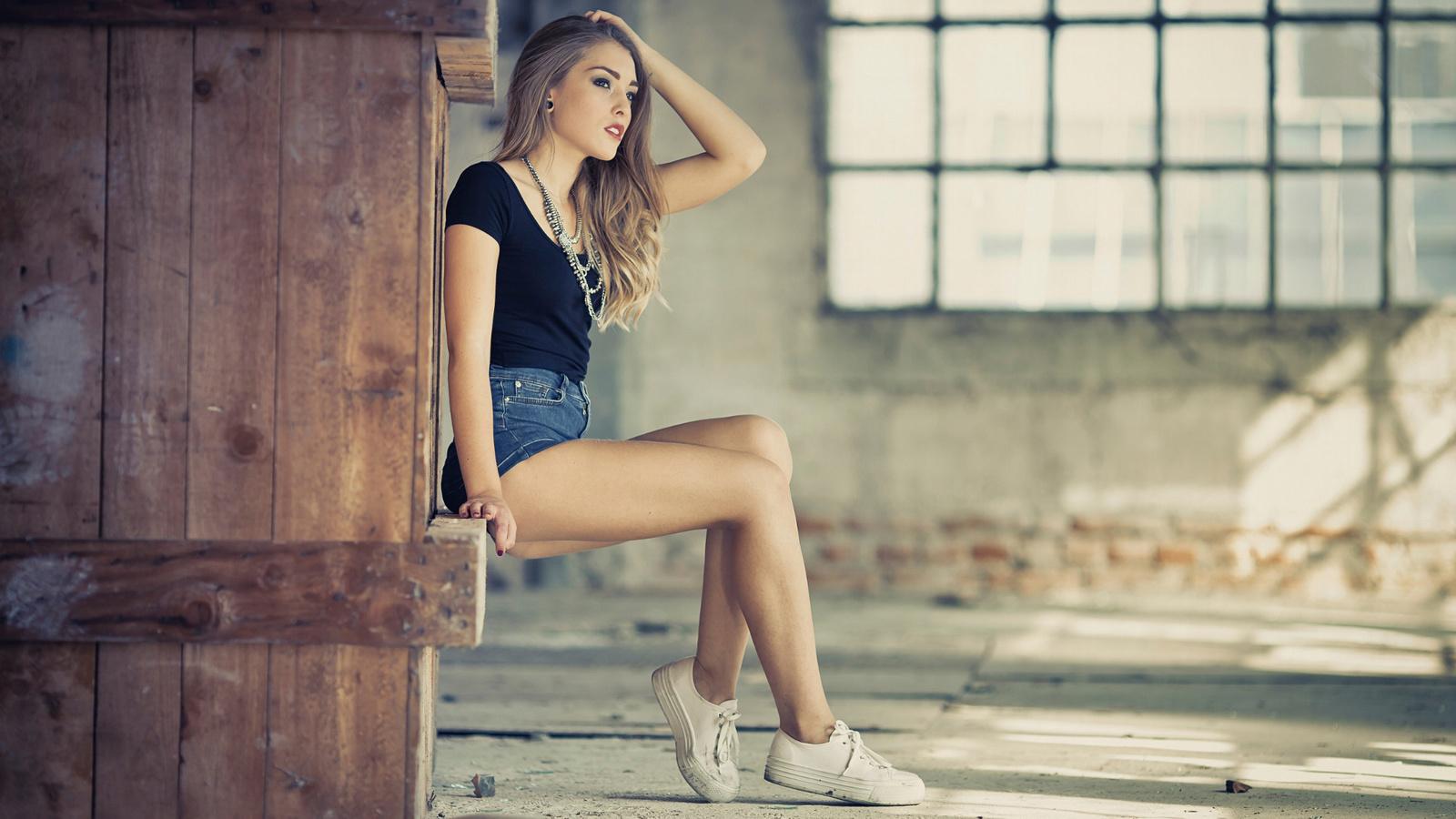 mariana, шорты, ножки, макияж, здание, окно