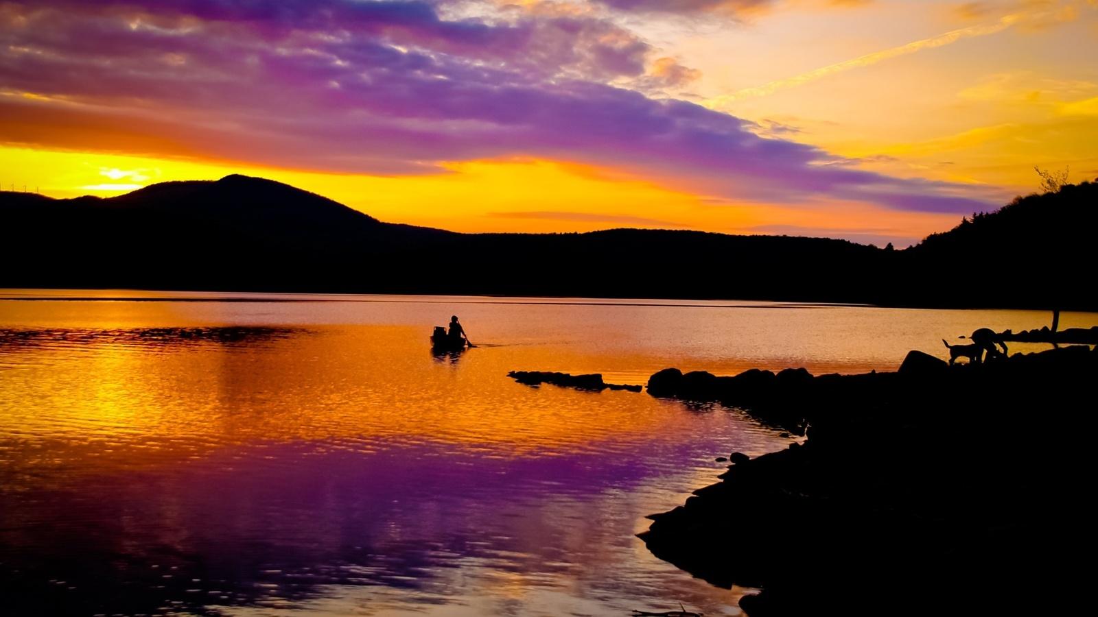 закатное небо, берега, река, лодка, отражение, небо,облака, природа