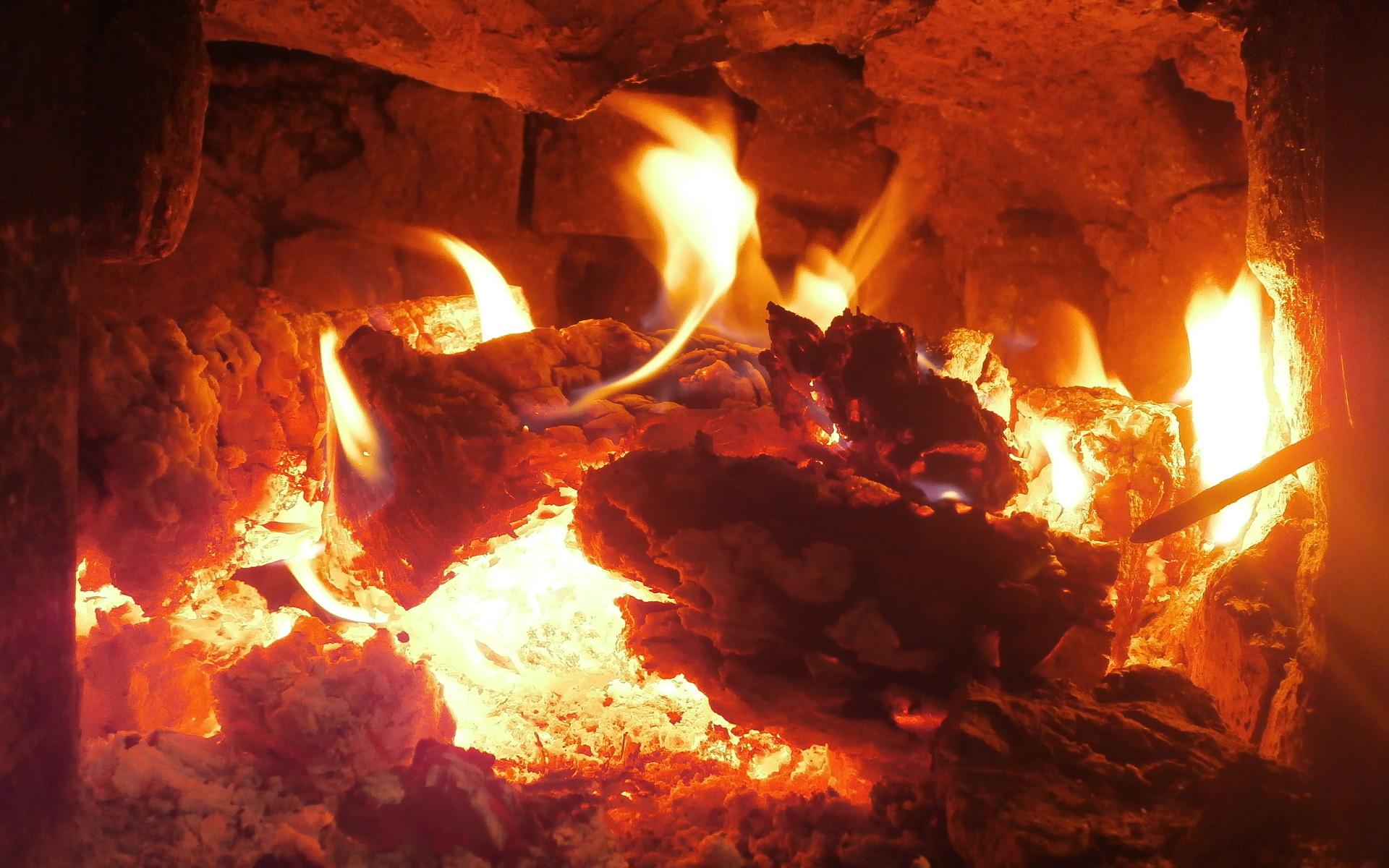 огонь в печи, дрова