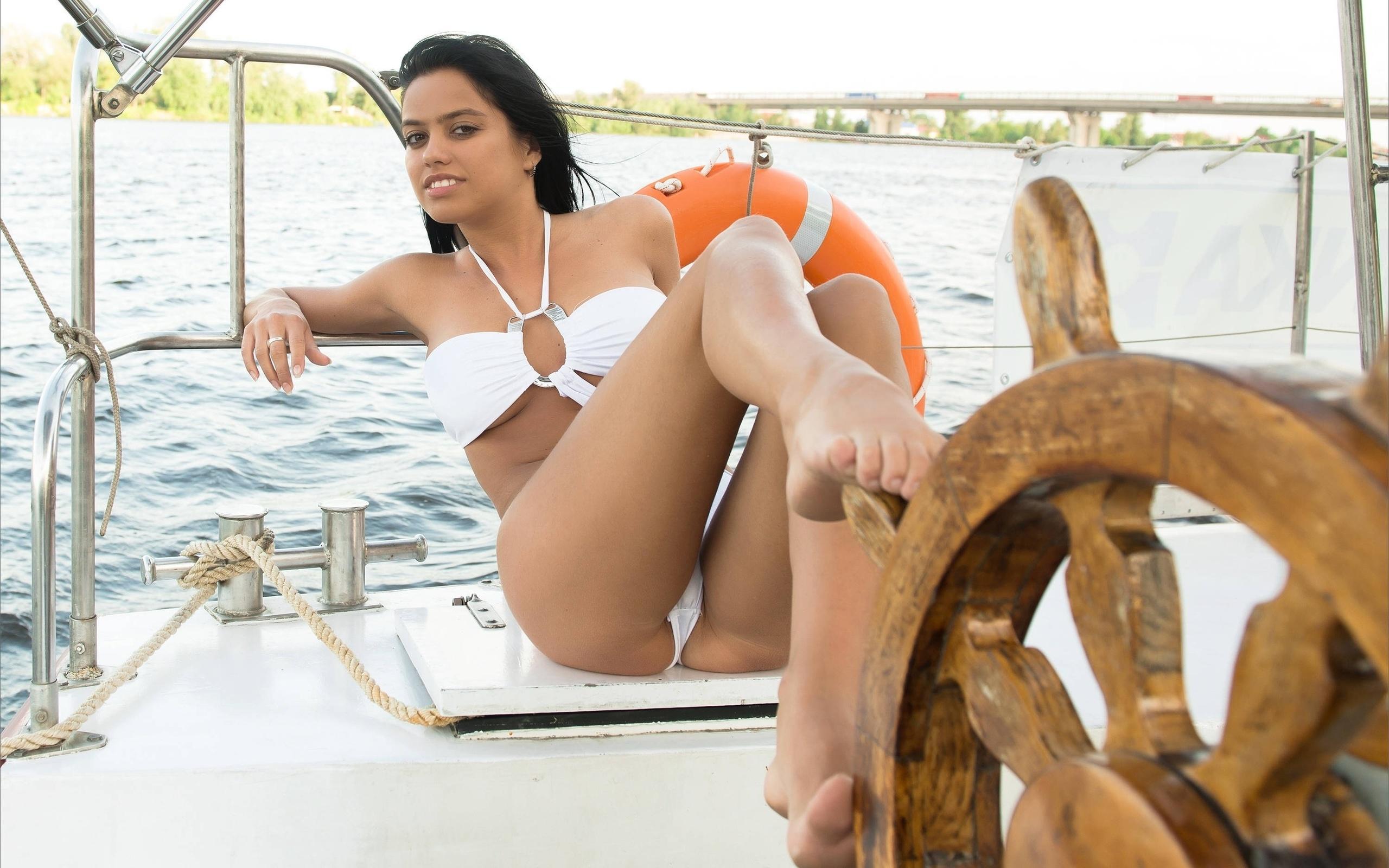 Моряком на яхте с видео смотреть секс