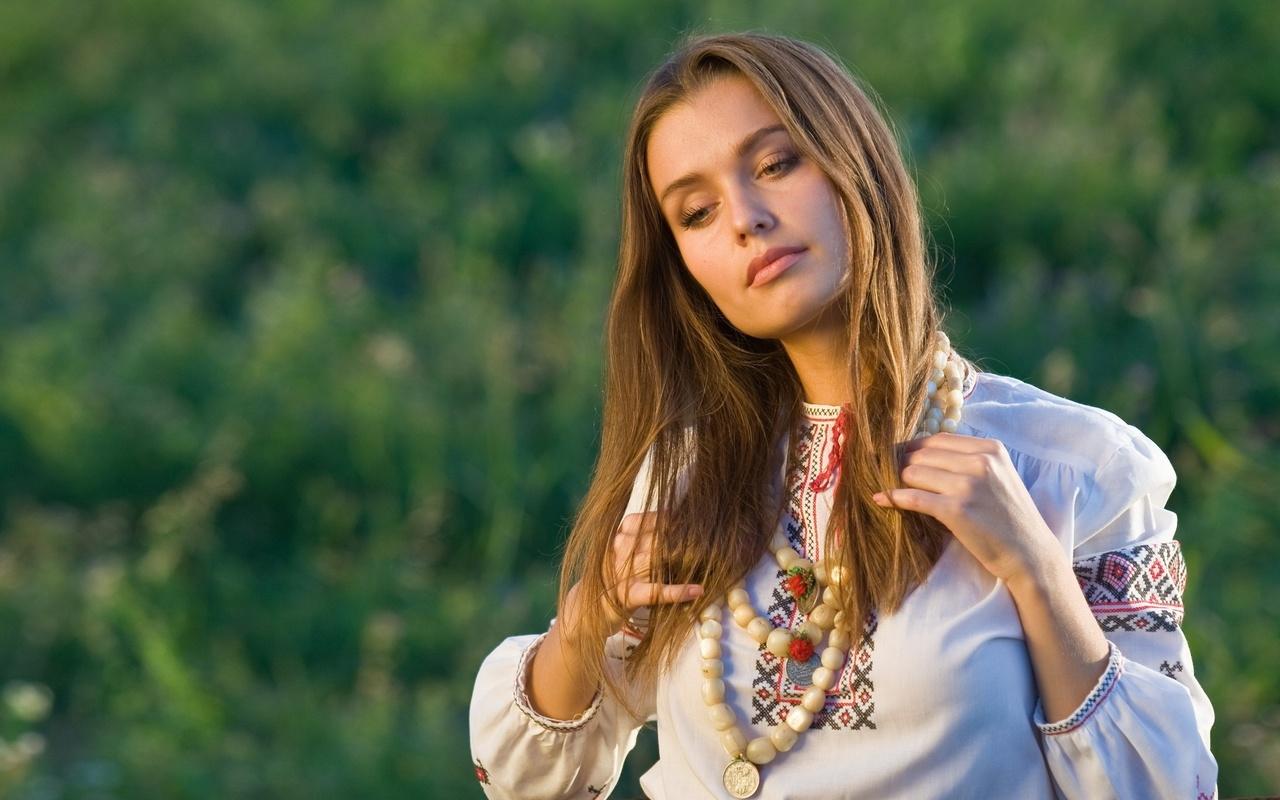 Фото красивых девушек украины, Где самые красивые девушки? В России или на Украине? 1 фотография