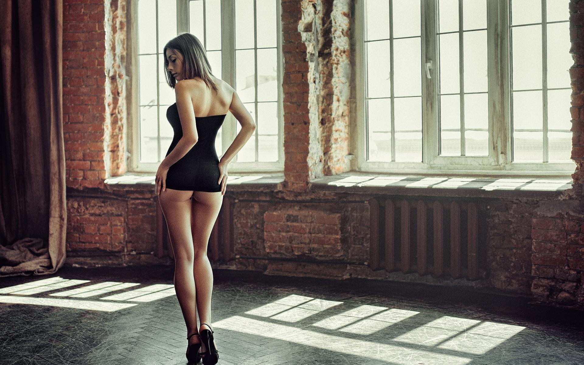Девушки в платьях попки фото — 15