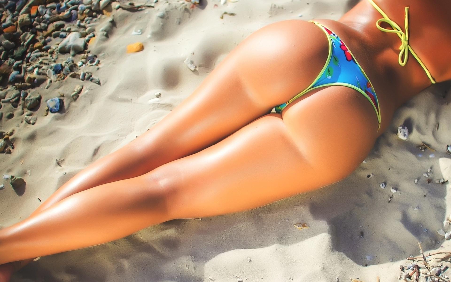 Сексуальные девушки на пляже попки — pic 12